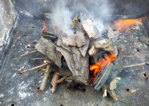 Как разжечь угли