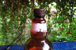 Пластиковая бутылка с узким горлышком