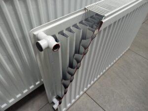 Цельнометаллический радиатор отопления в разрезе