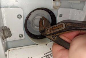Неисправность в сливной системе стиральной машины, неисправность сливного насоса стиральной машины